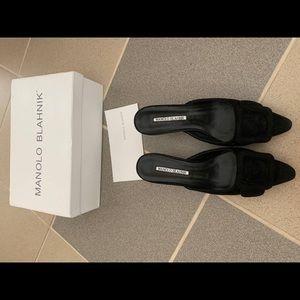Man olo blahnik size 5.5 kitten heels black